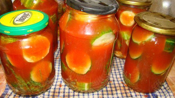Салат из огурцов в томатном соку на зиму