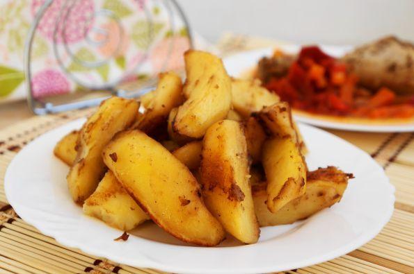 картошка в духовке с соевым соусом и чесноком
