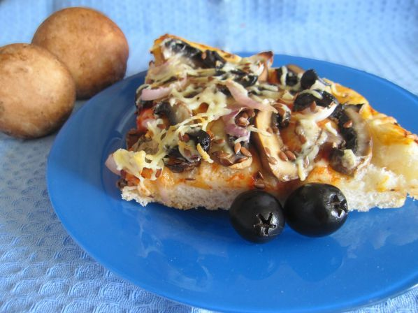 Пицца с грибами на дрожжах