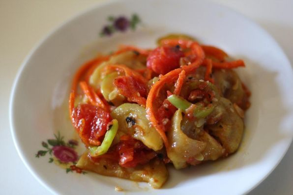 Фото: Салат из кабачков в китайском стиле.